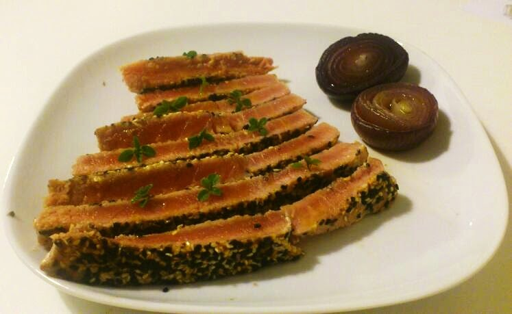 Oggi cucina Angelo: Tagliata di tonno ai due sesami