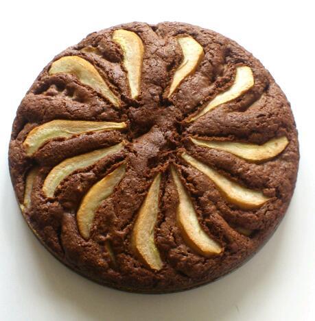 Torta al cioccolato pere e mandorle senza uova