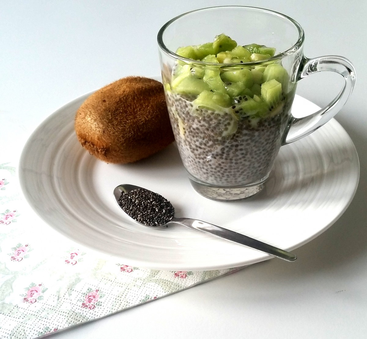 BUDINO CON SEMI DI CHIA E KIWI * PUDDING WITH CHIA SEEDS