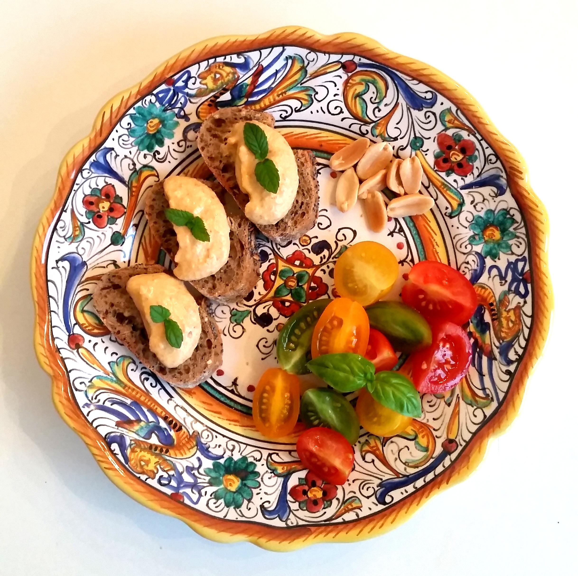 Crema di tofu pomodorini arachidi e menta