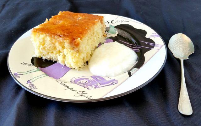 Torta soffice e speziata con ananas cocco e zenzero