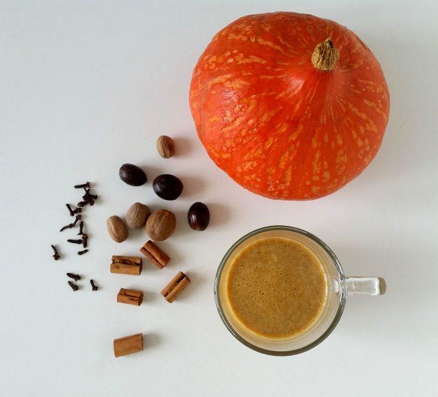 caffe-latte-alla-zucca-e-spezie-2