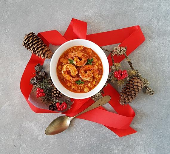 Zuppa di legumi con gamberi alla paprika