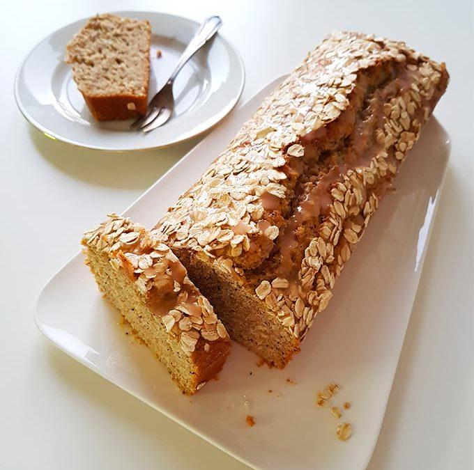 Plumcake all'arancia con semi di papavero e fiocchi di avena, senza burro
